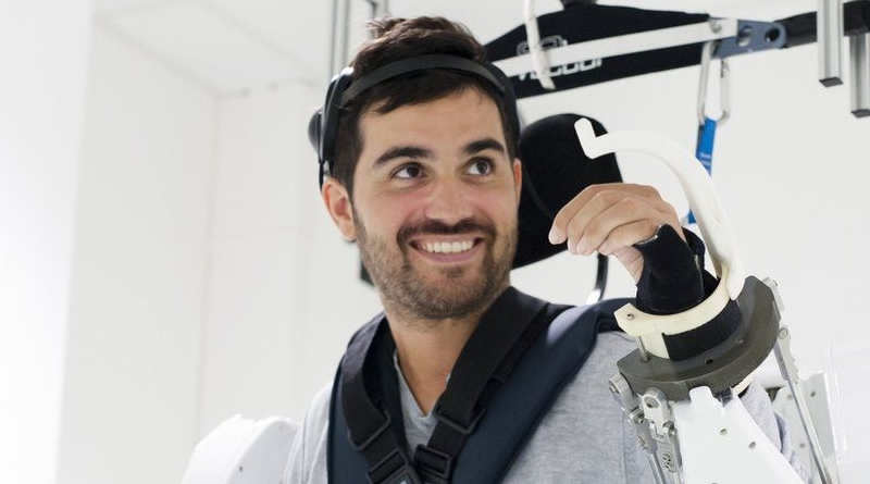 Paralysed Man Moves in Mind-Reading Exoskeleton