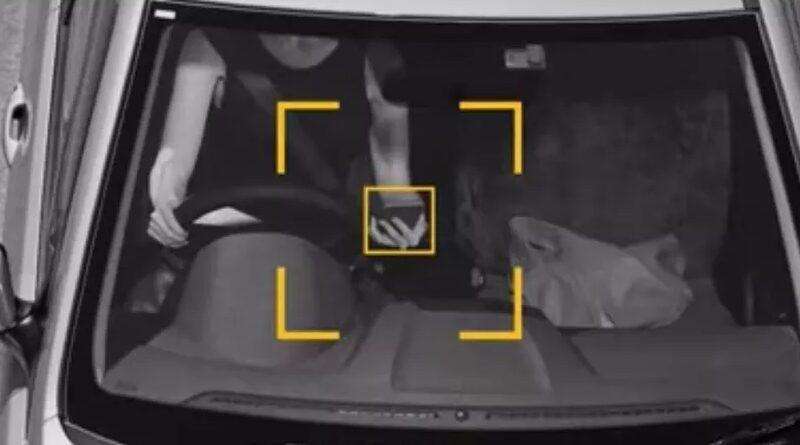 These Traffic Cameras Can Spot You Using Your Phone While Driving